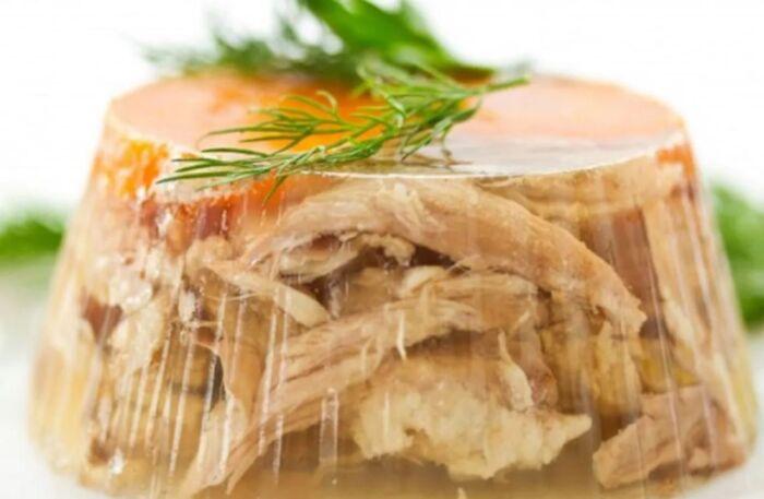 Прозрачный холодец из курицы и свиных ножек