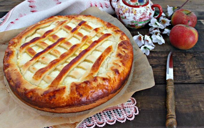 Дрожжевые пироги с яблоками в духовке