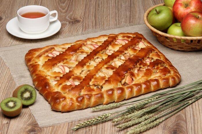 Самый легкий пирог с яблоками