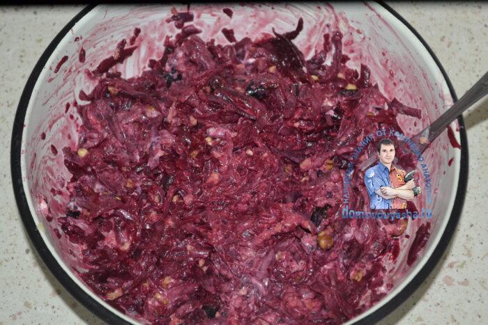 Самый простой и полезный салат для желудка и кишечника из отварной свеклы